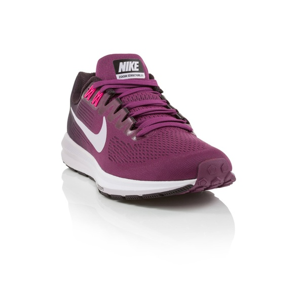 d88fef342ee27 Nike Air Zoom Structure 21 Women s Running Shoes. M 5b76285b2e147898ce09541c